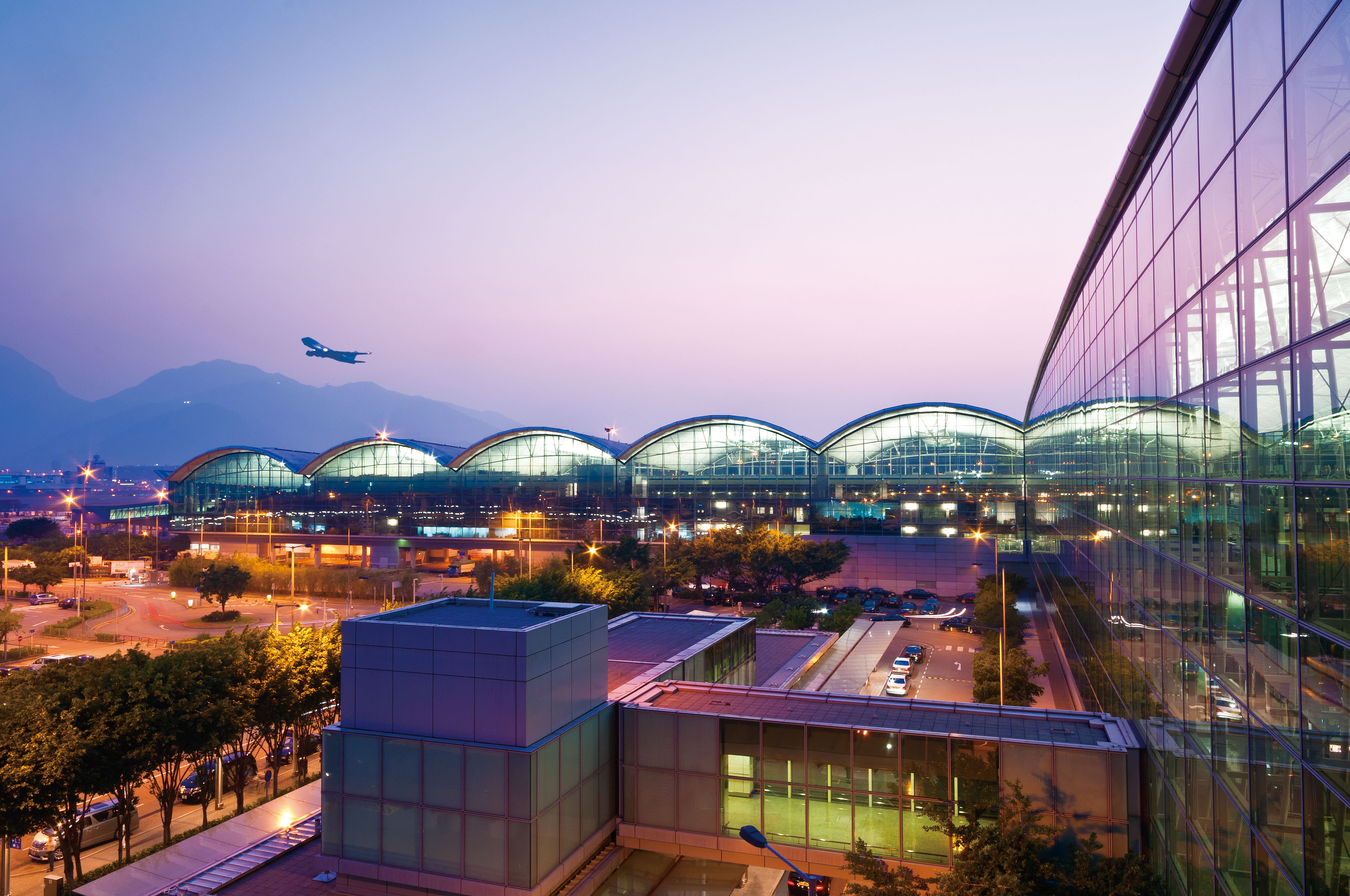 hong kong international airport If you feel unwell or need medical assistance while at the hong kong  international airport, our airport centre offers general medical, occupational &  travel.